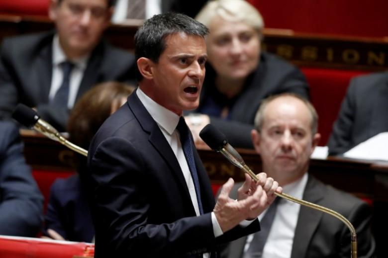 French Prime Minister Manuel Valls speaks during the questions to the government session at the National Assembly in Paris, France, November 16, 2016. REUTERS/Charles Platiau